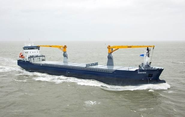 Combi Freighter is equipped with cargo cranes of 40 tonnes and full tween decks, which can be positioned at 2 levels in the hold. http://www.damen.nl/news/deliveries/2011/06/cf-8200-beauforte