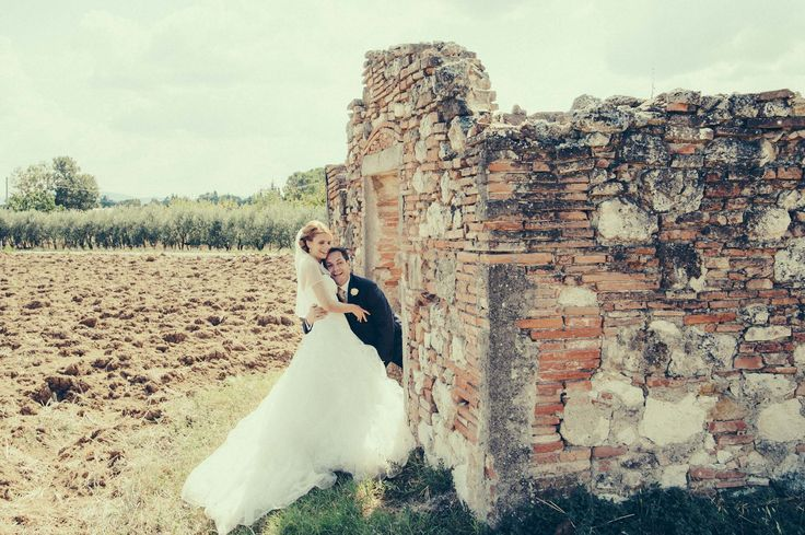 What a lovely wedding picture! You simply have to love it, don't you?