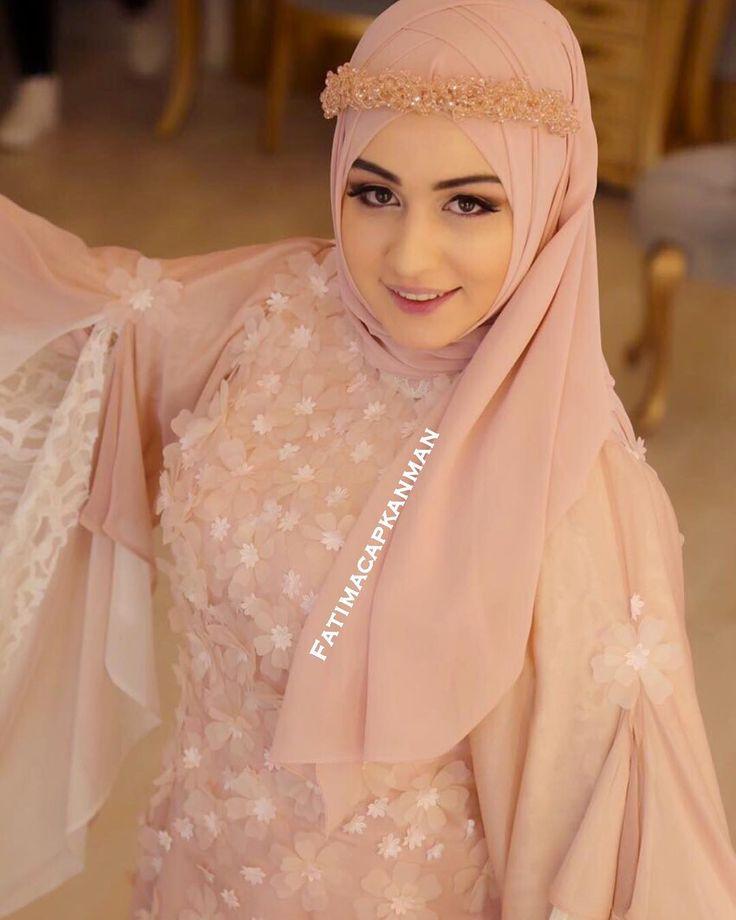 Eveeet..Çok sorulan abiye @dilamedmoda 'ya aittir.Maşallah @suhedacsk sana😍😍 #gelinbasi #gelinsaci #gelin #gelinlik #tesettür #türban #hijab #hijabstyle #hijabfashion #style #fashion #weddingday #wedding #hijabstyleicon#muslim#muslimah#hijaber#kuafor #makyaj #makeup #mua #f4f #tagsforlike #like #l4l#istanbul #beylikdüzü #bridal#hijabers#dilamed