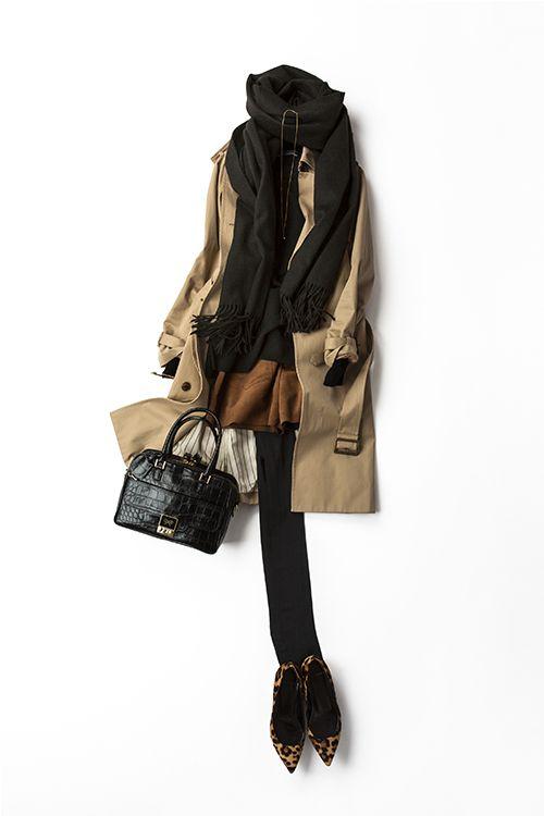 бежевый тречн, черный свитер, шорты коричневые, черные плотные колготки, леопардовые туфли