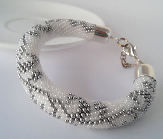 Hey, I found this really awesome Etsy listing at https://www.etsy.com/ru/listing/489717305/christmas-white-bracelet-winter-pearl