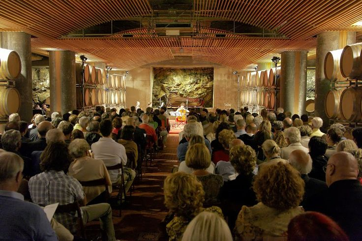 Tuscan festival season is coming to a close. And just before curtains are drawn and stages dismantled, the #ColleMassari winery hosts Dionisus, the last of the three cycles of the Amiata Piano festival.