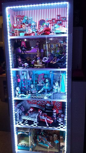 Monster High Custom Dollhouse made from a bookcase:                                                                                                                                                                                 Plus