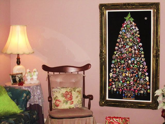 44 best Costume jewelry Christmas trees images on Pinterest ...