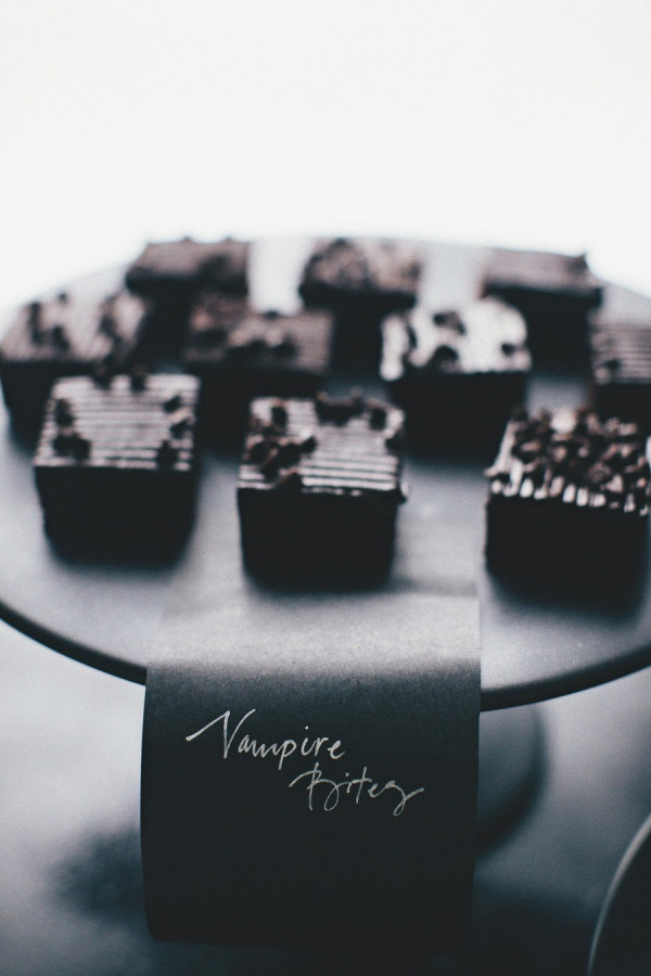 Halloween treats | Photography by rebeccahansenweddings.com