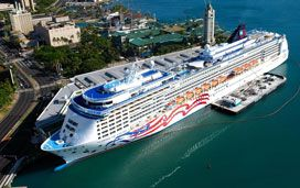 Pride of America in Oahu. Bruce C. Murray/Shutterstock