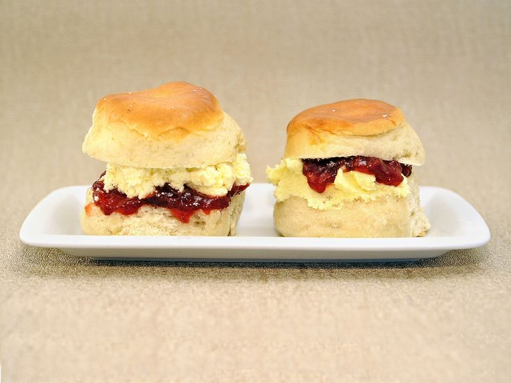 ****What is the Difference Between a Cornish and Devon Cream Tea?