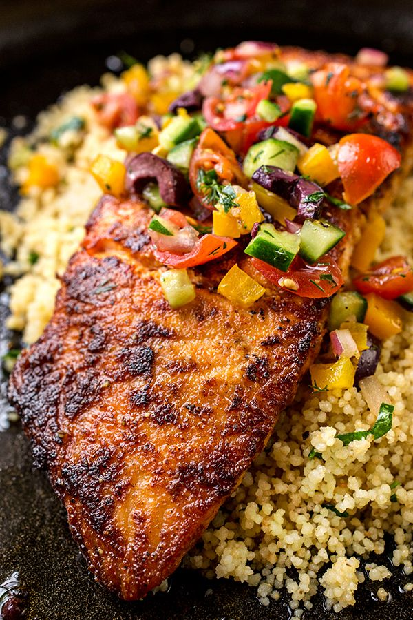 Pan Seared Salmon with Mediterranean Salsa Fresca | thecozyapron.com