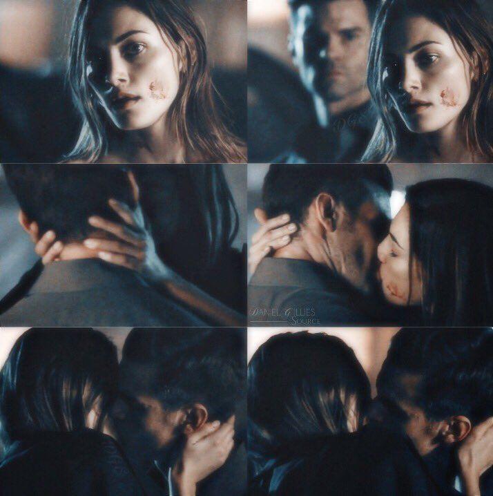 The Originals 4X01 - Hayley and Elijah reuinon