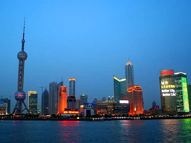 Huangpu River, largest river in Shanghai
