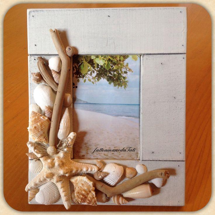 Driftwood and shells frame, cornice con conchiglie e legnetti, by fattoamanodaTati