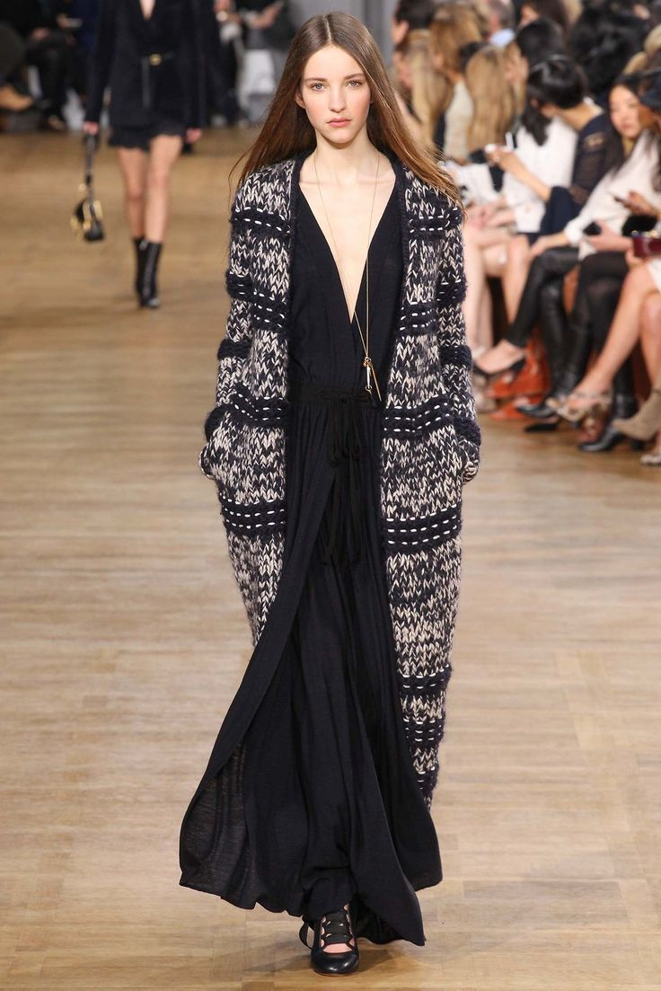 Chloé Fall 2015 Ready-to-Wear Fashion Show - Clémentine Deraedt