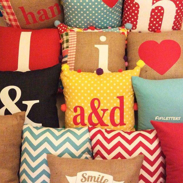 #fifiletters #pillows #yastik #yilbasi #hediye #harf #aydinlatma #lamba #kirmizi #dekorasyon #ev #decoration #tasarim #design #mavi #sarı #yesil #pembe #vintage #kisiyeozel #isim #ampul #siyah #beyaz #kar #kis #winter #snow #family #zigzag #chevron #and #smile