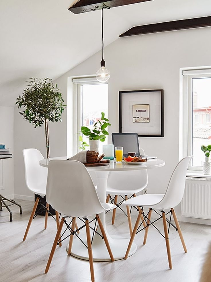 Las 25 mejores ideas sobre mesas de comedor redondas en for Decoracion pared comedor