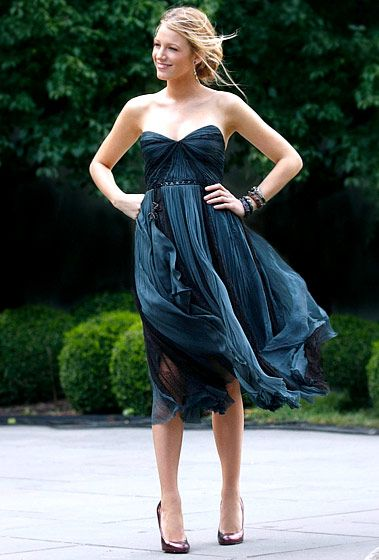 In Season 3, Serena van der Woodsen (Blake Lively) rocked a J. Mendel dress and MCL by Matthew Campbell Laurenza cuffs.