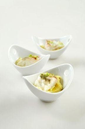 Zeebaars met citroenpuree http://www.njam.tv/recepten/zeebaars-met-citroenpuree