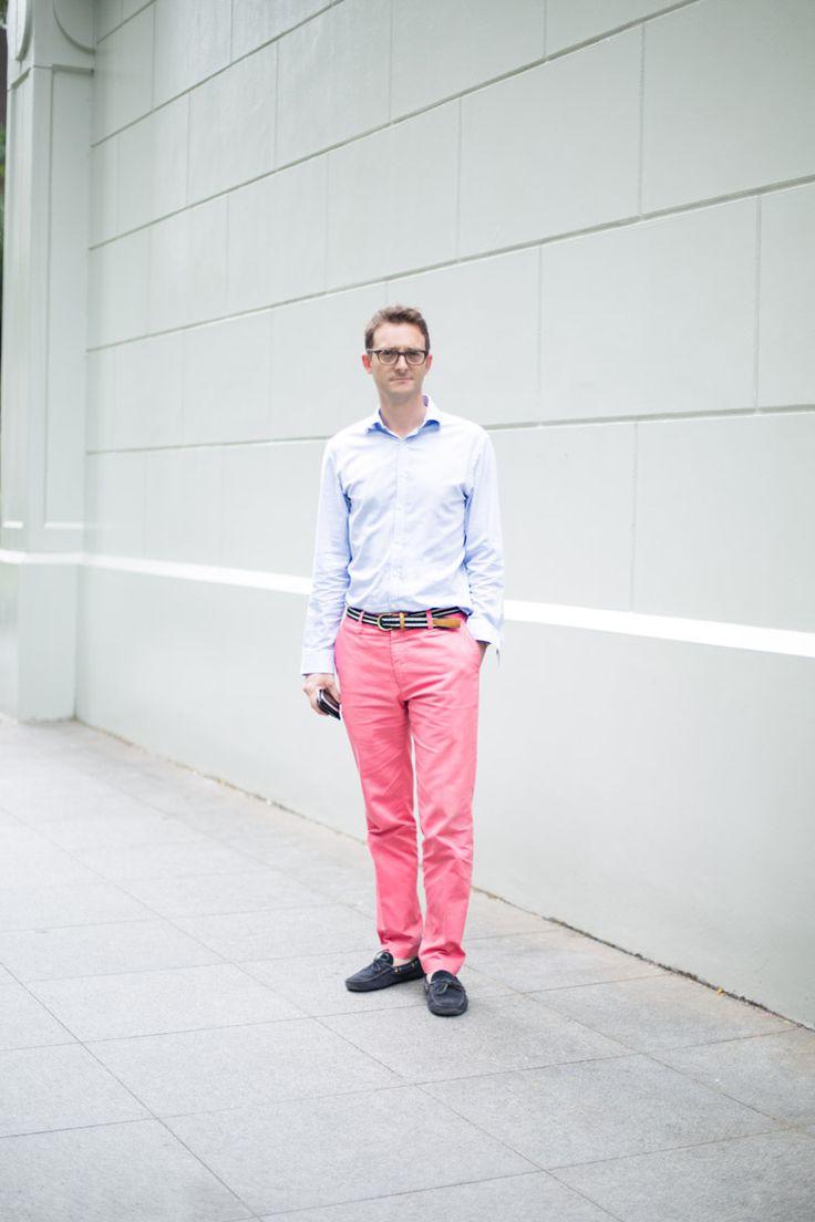 Elegante Herrenmode mit Stil erhalten Sie bei Charles Tyrwhitt, dem renommierten Modelabel aus dem britischen London. Kaufen Sie die neuesten Kollektionen schnell und einfach im Online-Shop ein und zahlen Sie bequem auf Rechnung.
