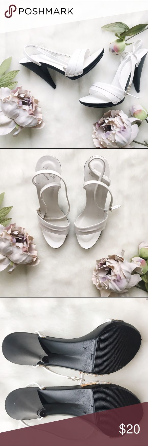 "White strappy sandals with chunky heel White sandals with black chunky heel. Approximately 4.5"" heel. Ankle straps.  Never worn.   * Fast shipping * Discounts on bundles Candie's Shoes Sandals"