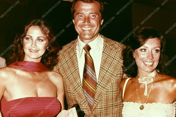 Lyle out with (l) actress Lynda Carter and his wife (r) Sharon Waggoner.