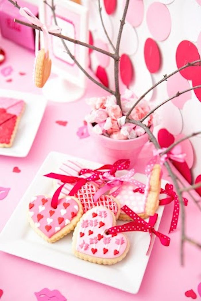 Heart ornament cookies! Tweet Heart Valentine's Day Party with Such Darling Ideas via Kara's Party Ideas   KarasPartyIdeas.com #ValentinesDayParty #PartyIdeas #Supplies