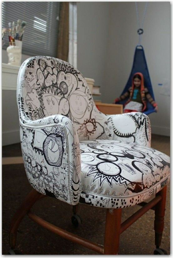Amazing Old Pleather Chair U003d Spray Paint And Sharpie Doodling @ Heart 2 HomeHeart