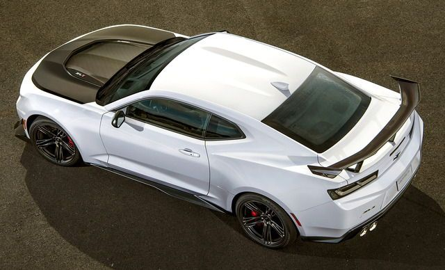 Chevrolet Camaro ZL1 1LE, 2018. A new, track-focused, version of the Camaro with aerodynamic aids and adjustable racing suspension
