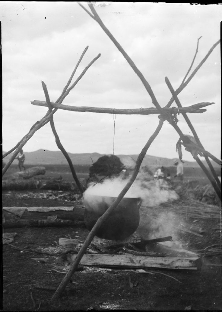 Showing a large cooking (pudding) pot over an open fire at Kaikohe.1911