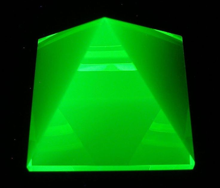 "Pyramid Yellow Uranium Vaseline UV Glow Glass Faceted Paperweight 1-7/16"" (36mm)"