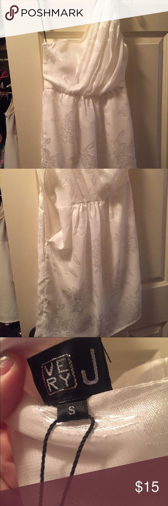 Very J One shoulder white dress White Very J dress worn one night. Very J Dresses One Shoulder