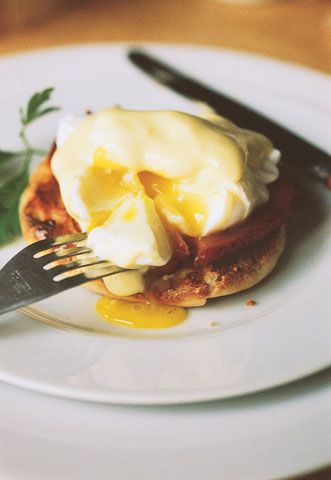 Eggs Benedict Here is our adaptation of chef John Doherty's modern-day recipe from what is now the Waldorf-Astoria Hotel.