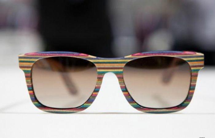 Nós amamos o skate, tanto quanto esse utensílio de moda que complementa vários estilos diferentes – o óculos. Mas o que acontece com todos aqueles skates desmontados depois que se tornam completamente inutilizáveis? Bem vários estilistas têm encontrado maneiras de dar aos skates, uma segunda vida, e a mais recente ideia é a moda chamada Diamante Supply Co.