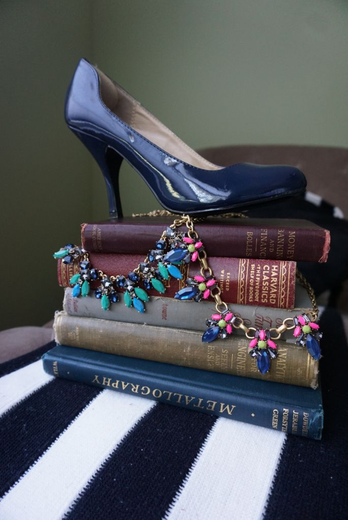 Learn how to sell 46 items in 24 hours on Poshmark, list like a PRO, make tons of money while building your own wardrobe. Poshmark tips and tricks, and poshmark hacks. Best blog to find all your Poshmark needs.