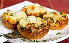 Ciuperci umplute quatro formaggi | Retete culinare - Romanesti si din Bucataria internationala