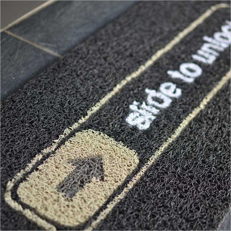 ロック解除 ドアマット iPhone ロック Slide to Unlock ロック画面 アンロック マット 玄関 デザイン デザイナーズ 靴 玄関マット 敷物