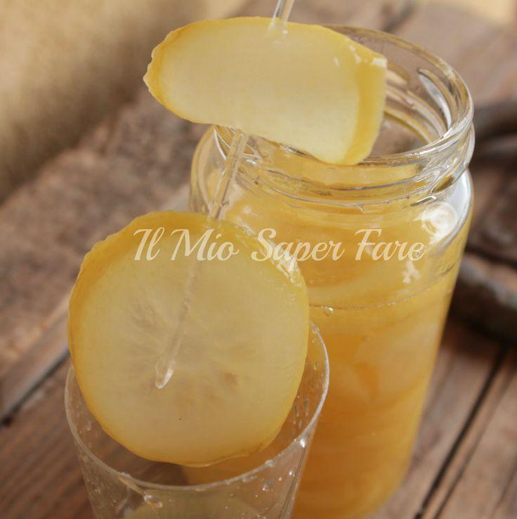 Limone Sciroppato: ecco come si prepara! Ideale per decorare e aromatizzare dolci, per dissetarci, da gustare a fine pasto. E' un validi digestivo naturale.