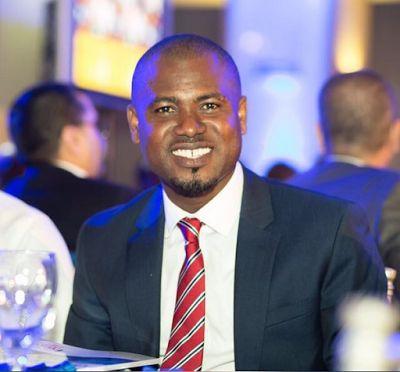 Radio cum TV personality and CEO of Kaya Tours, Abeiku Aggrey Santana has openly called 'My Hunny' a song by NanaYaa as 'Bae'.