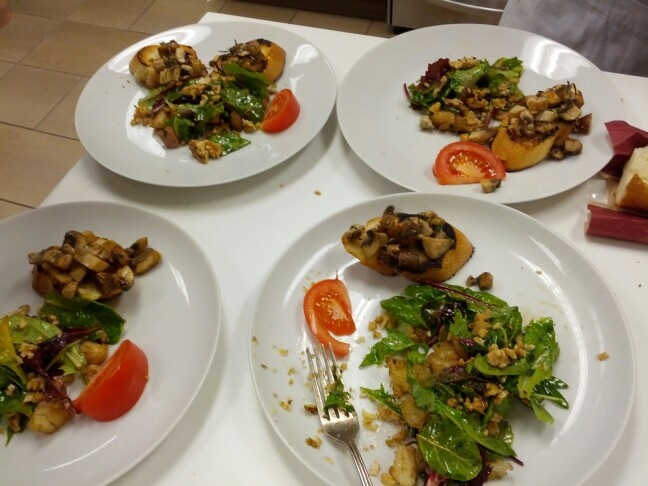 Bruschetta with sauteed mushrooms & blue cheese salad