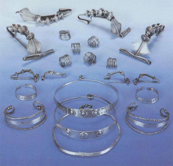 bijuterii-dacice-din-argint.jpg (729×700)