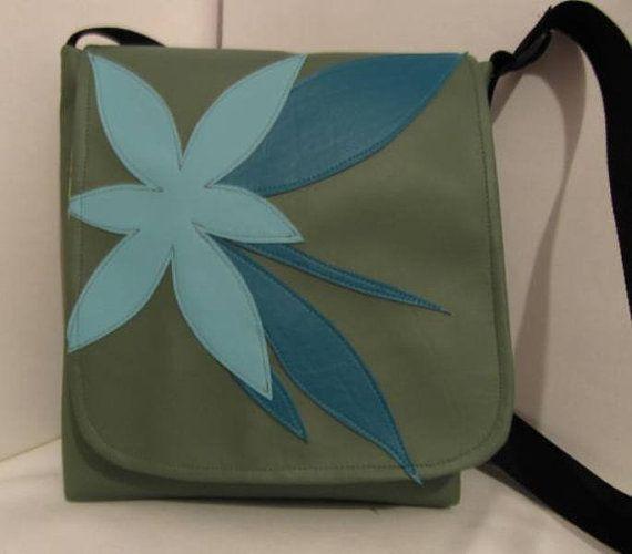 Messenger iPad Daily Planner Vinyl Blue Bag by BagsBeursBolsas