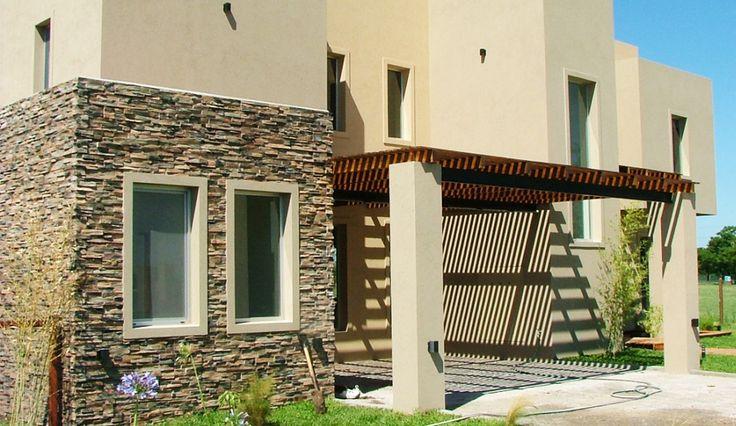 Fachada casa pinterest for Casa clasica procrear terminada