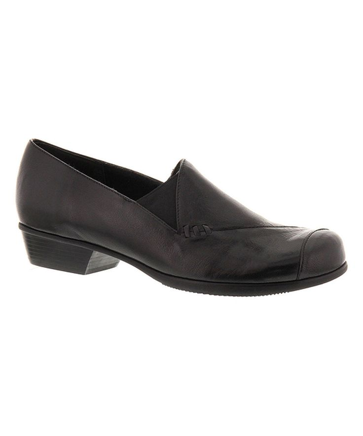 This Munro Shoes Black Cheryl Leather Loafer by Munro Shoes is perfect! #zulilyfinds