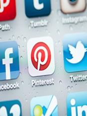 Condividere immagini è una passione che accomuna oltre la metà degli utenti globali di Internet.  [Report del sondaggio condotto da Pew Research Center's Internet & American Life Project ad agosto 2012 -campione composto da 1005 adulti]