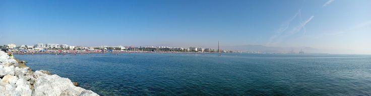 Málaga vista desde playa de la Misericordia.