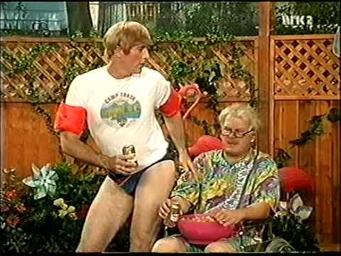 MadTv - Stuart and his grandparents~