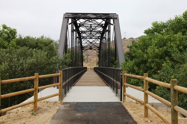Venture down the Iron #Horse #Trail and catch some #beautiful #SantaClarita views