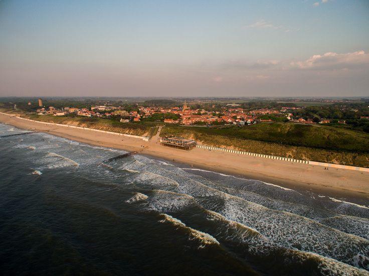 Strand van Domburg met drone
