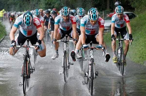 Lotto Belisol keeping their feet dry!