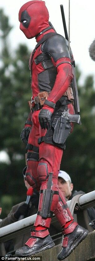 Deadpool                                                                                                                                                      Más