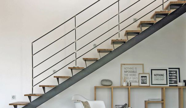 Les 25 meilleures id es de la cat gorie hauteur garde - Escalier pour mezzanine pas cher ...