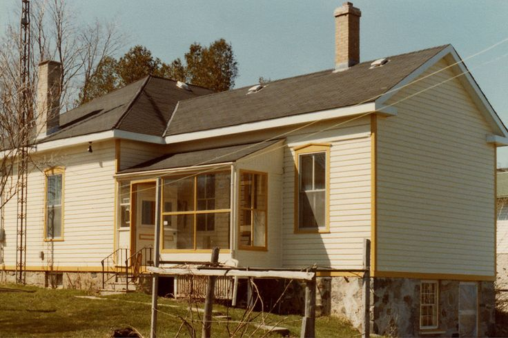 1979, showing the old rear kitchen wing and side porch.